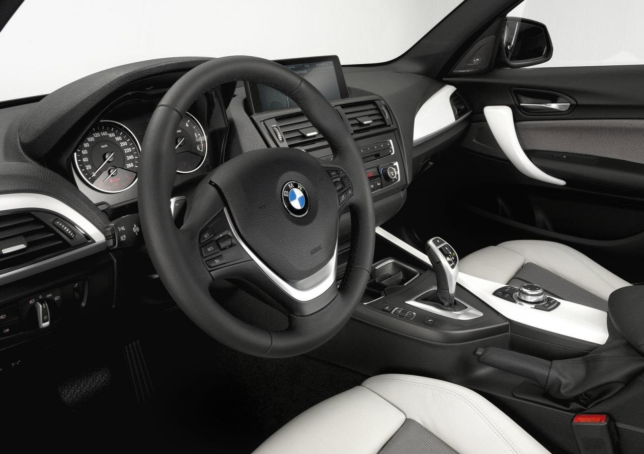 2012 BMW 1 Series hatch 2